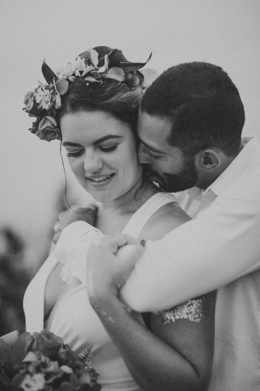 apelphotography-baliweddingphotography-lombokwedding-lembonganwedding-uouwatusurfvillawedding-bestweddingphotographersinbali_101