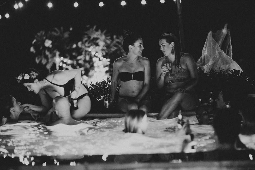 apelphotography-baliweddingphotography-lombokwedding-lembonganwedding-uouwatusurfvillawedding-bestweddingphotographersinbali_132