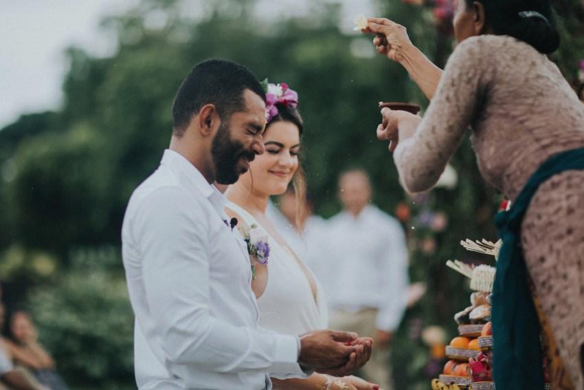 apelphotography-baliweddingphotography-lombokwedding-lembonganwedding-uouwatusurfvillawedding-bestweddingphotographersinbali_68