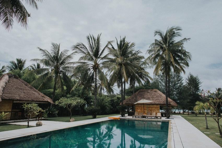 apelphotography-baliweddingphotographers-lombokweddingphotographers-sirabeachhousewedding-villasepoisepoi-lembonganwedding-16