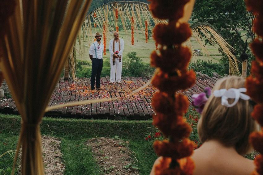 pande-bambuindahresortubudwedding-baliweddingphotographers-apelphotography-27