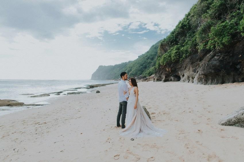 balipreweddingphotographers-pandeheryana-engagementphotography-baliweddingphotographers-melastibeachuluwatu-1