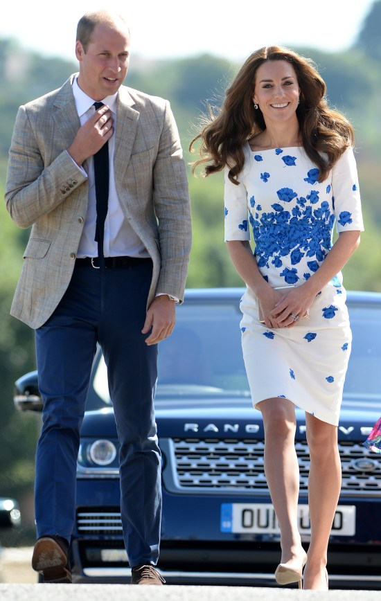 The Duke and Duchess of Cambridge visit Bute Mills, to learn about the work of Youthscape in Luton, Bedfordshire, UK, on the 24th August 2016. Pictured: Prince William, Duke of Cambridge, Duchess of Cambridge, Catherine, Kate Middleton Ref: SPL1331903 240816 Picture by: James Whatling Splash News and Pictures Los Angeles:310-821-2666 New York: 212-619-2666 London: 870-934-2666 photodesk@splashnews.com