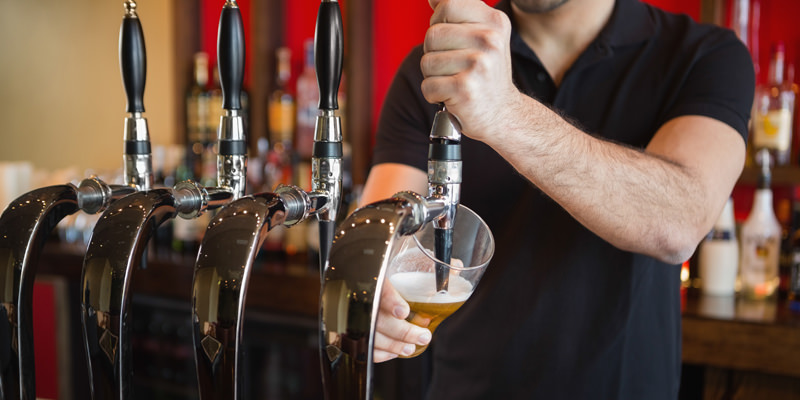 https://i2.wp.com/www.apetitoenlinea.com/wp-content/uploads/2016/05/bartender-beer.jpg?resize=800%2C400&ssl=1