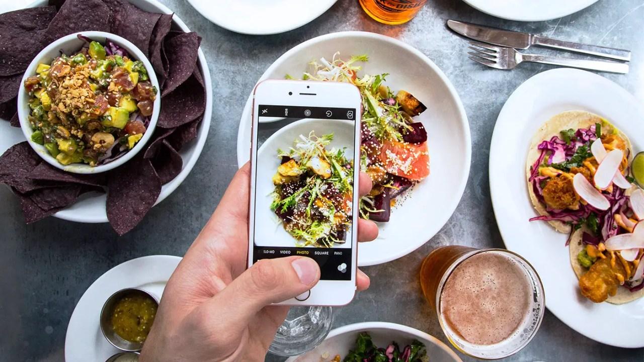 https://i2.wp.com/www.apetitoenlinea.com/wp-content/uploads/2017/04/Hero-Chefs-and-restaurant-design-instagram-social-media-seamores-by-chloe-kenfulk-2.jpg?resize=1280%2C720&ssl=1