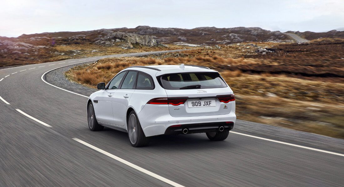 jaguar_xf-sportbrake_location_exterior_140617_02