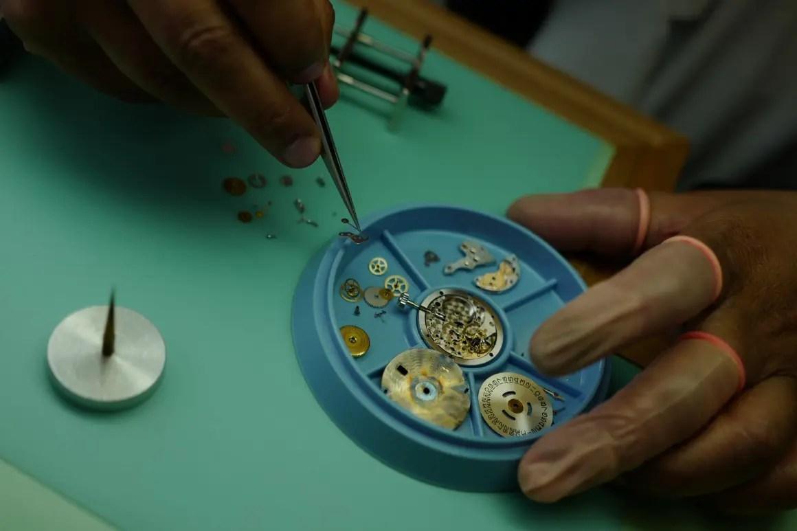 Servicing a mechanical watch movement
