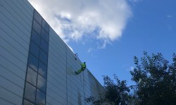 Rope access pressure washing