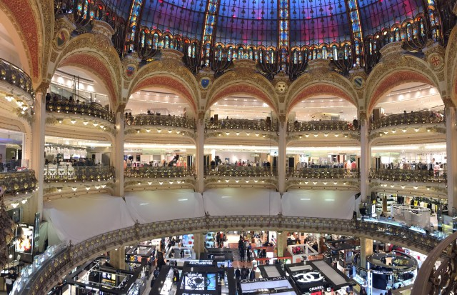 galeries-lafayette-apple-construction