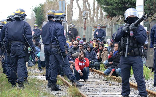 """alt=""""Calais Port Police"""""""