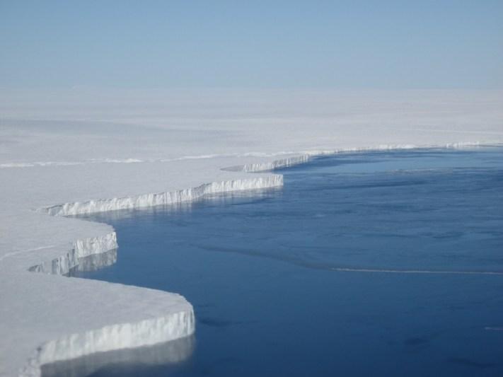 """alt=""""Ice Caps Melting in Antarctica"""""""