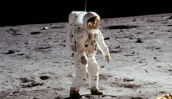 """russian astronauts to go to the moon"""