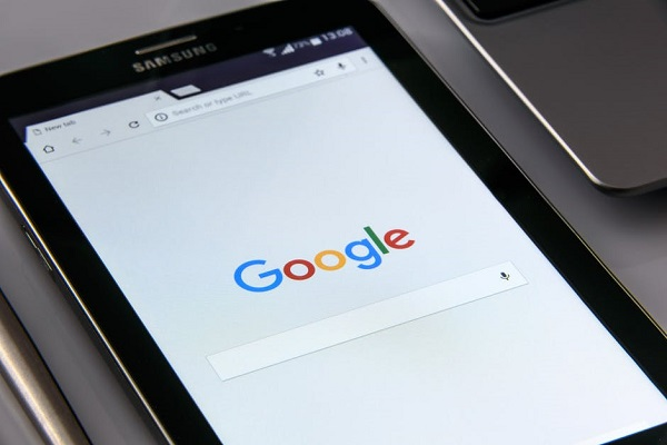 Google web search engine on tablet