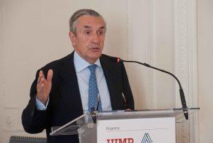 Jose María Marín, presidente de la CNMV, durante su intervención en el Curso de Verano organizado por la APIE en la UIMP.
