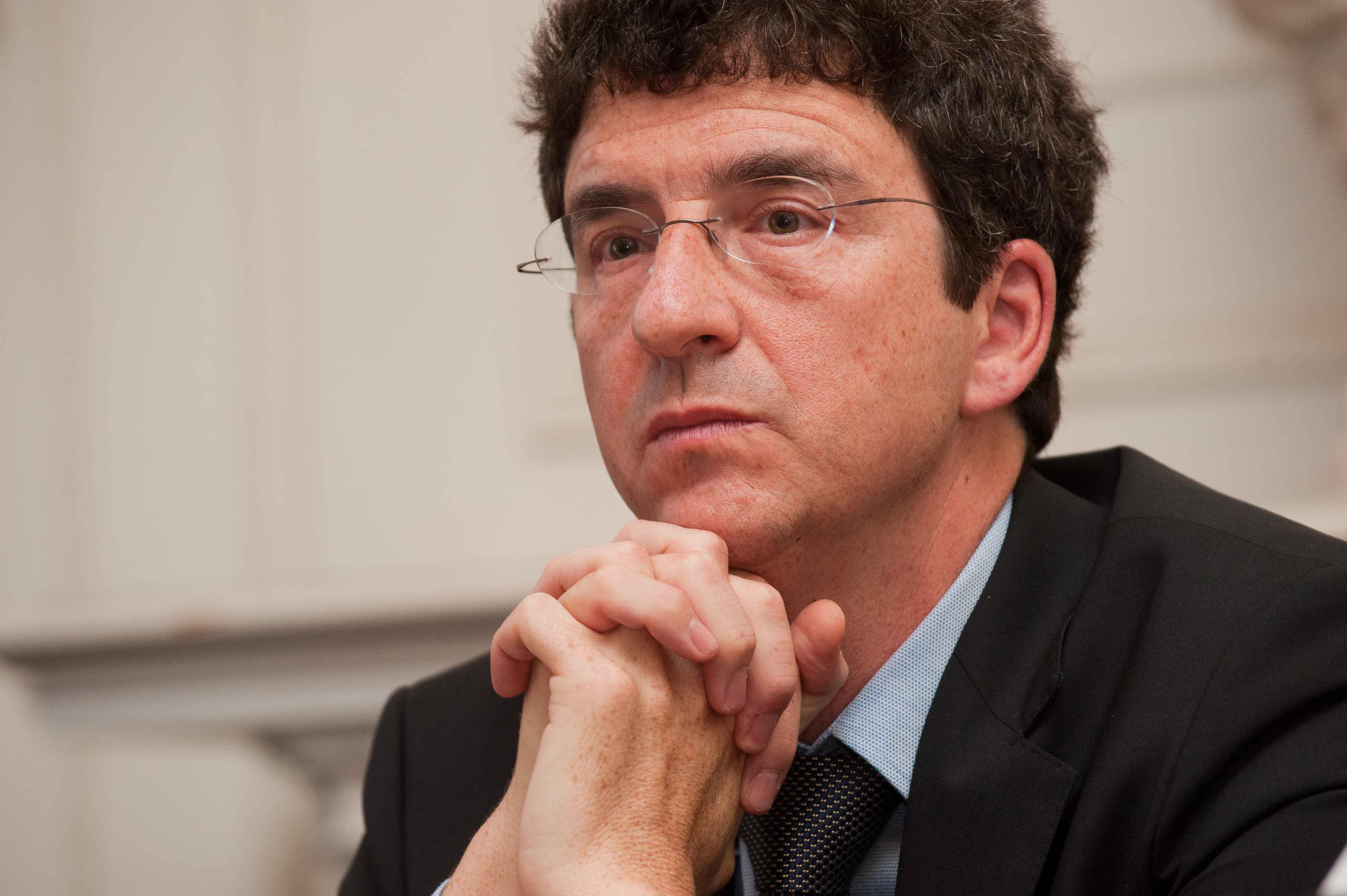 Jorge Sicilia, Jefe de Estudios del BBVA, durante su intervención en el Curso de Verano organizado por la APIE en la UIMP.