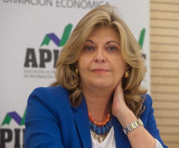 Engracia Hidalgo, Secretaria de Estado de Empleo, durante el almuerzo de prensa con el que concluyó la VI Jornada del Curso de Economía para Periodistas organizado por APIE.