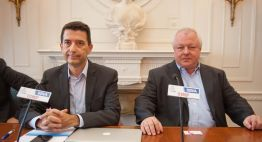 Rafael Domenech, Economista Jefe de Economías Desarrolladas de BBVA Research, y Angel de la Fuente, director de FEDEA, durante su intervención en el Curso de Verano organizado por la APIE en la UIMP.