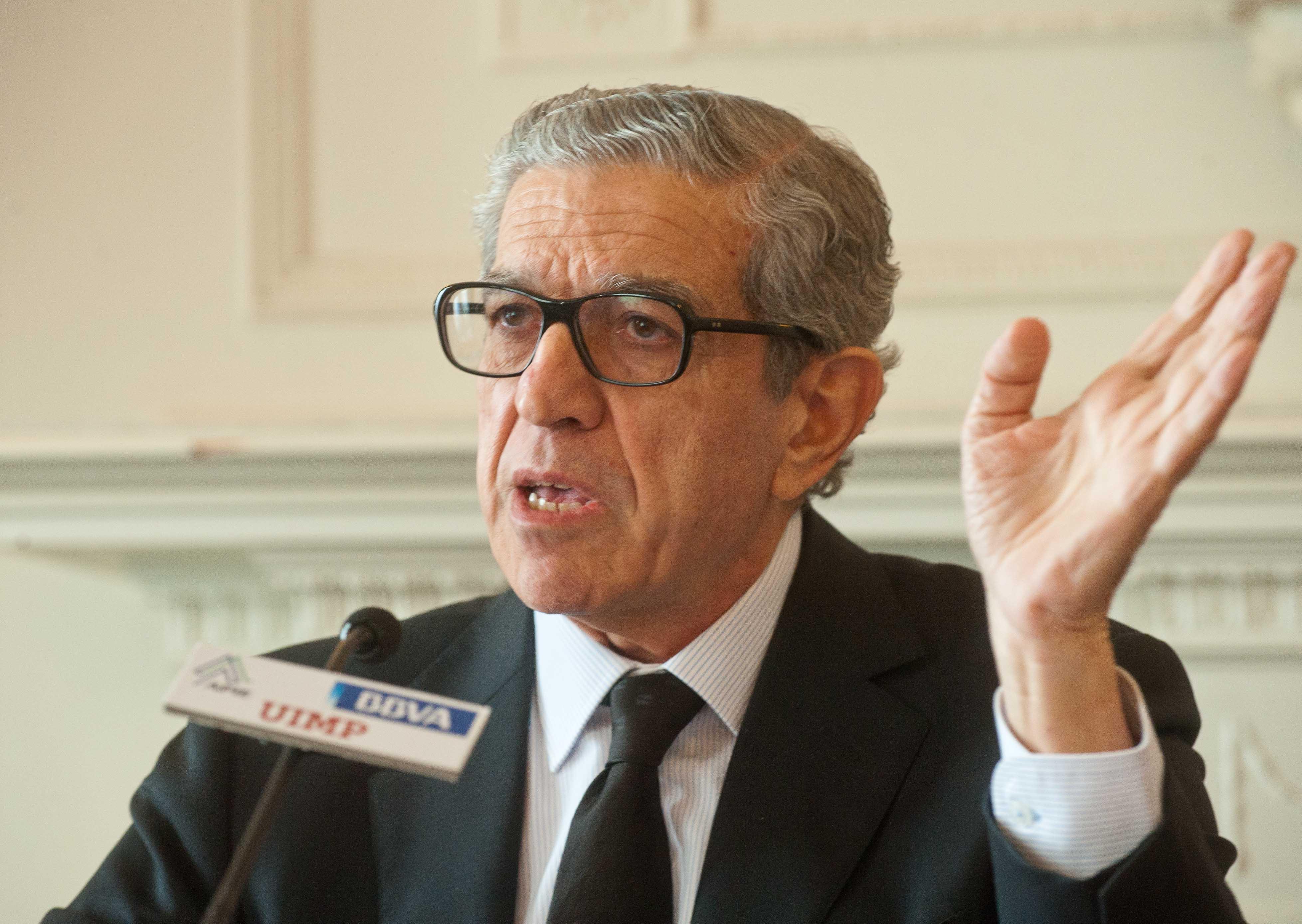 Braulio Medel, presidente de Unicaja Banco, durante su intervención en el Curso de Verano organizado por la APIE en la UIMP.
