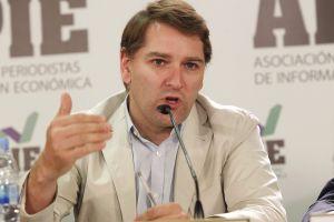 Manuel de la Rocha Vázquez, responsable económico del PSOE, en el debate sobre política económica organizado por la Asociación  de Periodistas de Información Económica (APIE).