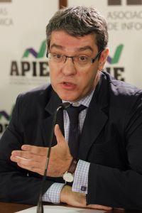 Álvaro Nadal, responsable económico del PP, en el debate sobre política económica organizado por la Asociación  de Periodistas de Información Económica (APIE).