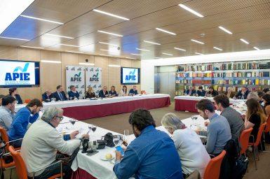 Un momento del almuerzo de prensa con Pepe Álvarez, Secretario General de UGT, con el que se cerró la Segunda Jornada del Curso de Economía para Periodistas organizado por APIE con la colaboración del BancoPopular.