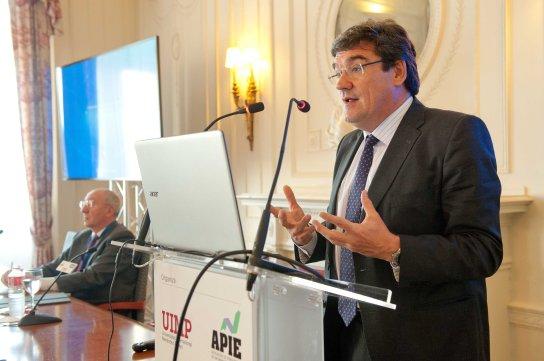 Jose Luis Escrivá, presidente de la Autoridad Independiente de Responsabilidad Fiscal (AireF) durante su intervención en el curso de economía organizado por la APIE en la Universidad Menéndez Pelayo de Santander.