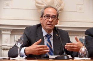 Jose Manuel González-Páramo, director ejecutivo de BBVA, durante su intervención en la sesión inaugural en el curso de economía organizado por APIE en la Universidad Menéndez Pelayo de Santander.