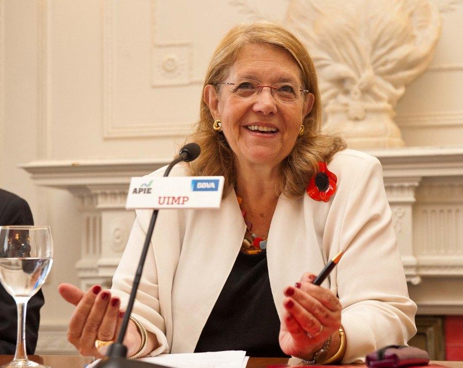 Elvira Rodríguez, presidenta de la CNMV, durante su intervención en el curso de verano organizado por APIE en la Universidad Menéndez Pelayo de Santander.