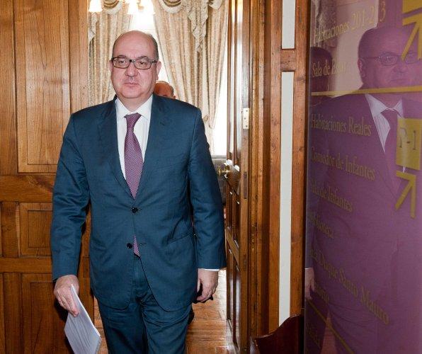 Jose María Roldán, presidente de la Asociación Española de Banca (AEB) a su llegada al curso de verano organizado por la APIE en la Universidad Menéndez Pelayo de Santander.