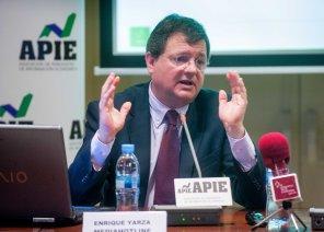 Enrique Yarza, Presidente de Media Hotline, durante la presentación del informe 12p sobre inversión publicitaria en medios.