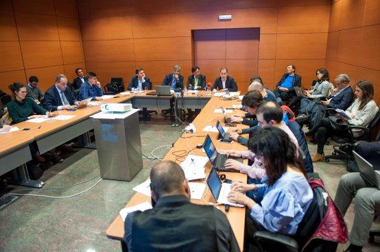 Una vista general del debate sobre telecomunicaciones celebrado en la IV Jornada del Curso de Economía de APIE.