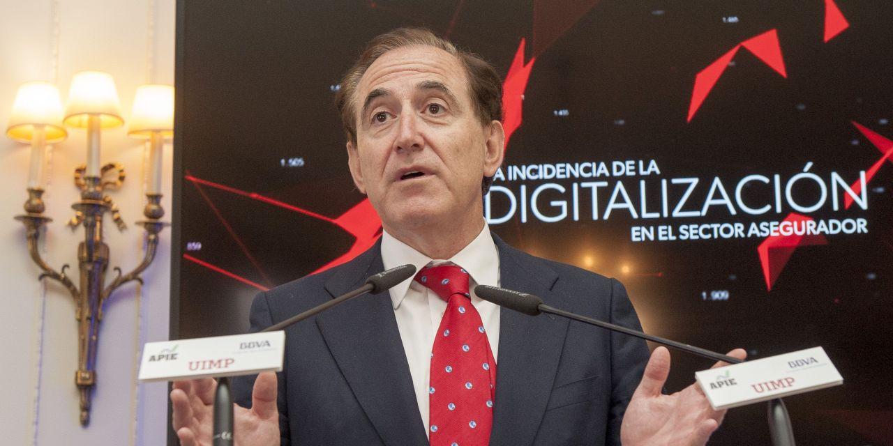 """Antonio Huertas: """"Si los coches van a cambiar, el seguro del automóvil tiene que cambiar"""""""