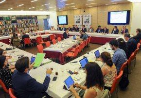 Un momento del almuerzo con Alvaro Nadal, Ministro de Energía, Turismo y Agenda Digital, con que se cerró la quinta jornada del curso de economía organizado por APIE.