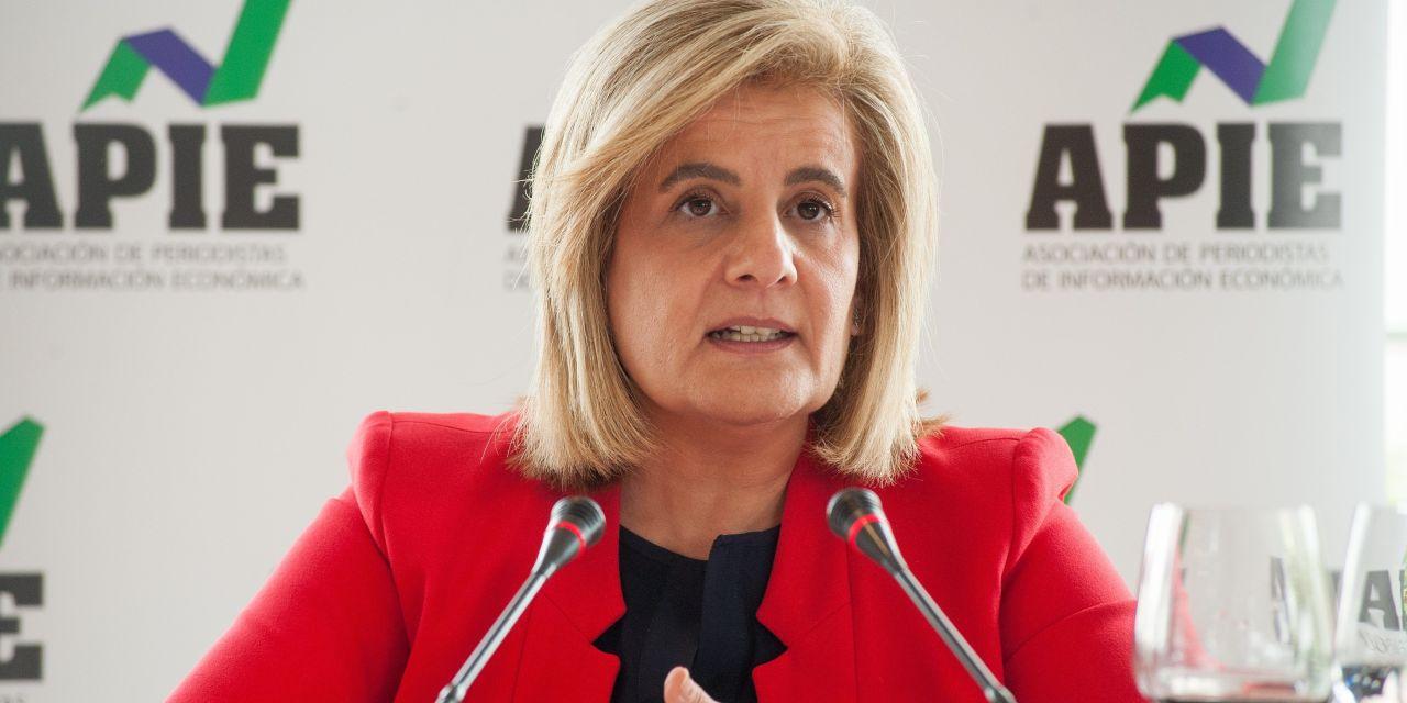 """Fátima Báñez: """"Estamos muy cerca de poder pagar todas las pensiones vía cotización"""""""
