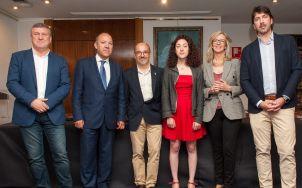 De izquierda a derecha: Íñigo Barandiarán (EAJ-PNV), Jose María Barrios (PP), Carles Campuzano (PDeCAT), Aina Vidal (Podemos-En Comú Podem-En Marea), Mercè Perea (PSOE) y Sergio del Campo (Ciudadanos), participantes en el debate sobre las pensiones con el que comenzó el XXXI Curso de Economía organizado por la APIE.