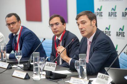 Robert Scholtes, Director de Estrategia de UBS, durante su intervención en la tercera jornada del XXXII Curso de Economía organizado por APIE.