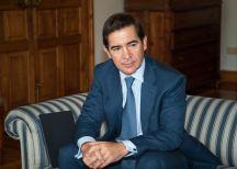 Carlos Torres, presidente del BBVA, en la jornada de inauguración del Curso de Economía organizado por la APIE en la UIMP de Santander.