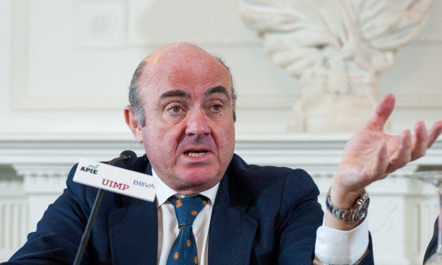 """Luis de Guindos: """"No vamos a subir los tipos de interés hasta mediados del año próximo"""""""