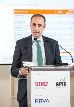 Jaime Ponce, presidente del FROB, durante su intervención en el Curso de Economía organizado por la APIE en la UIMP.