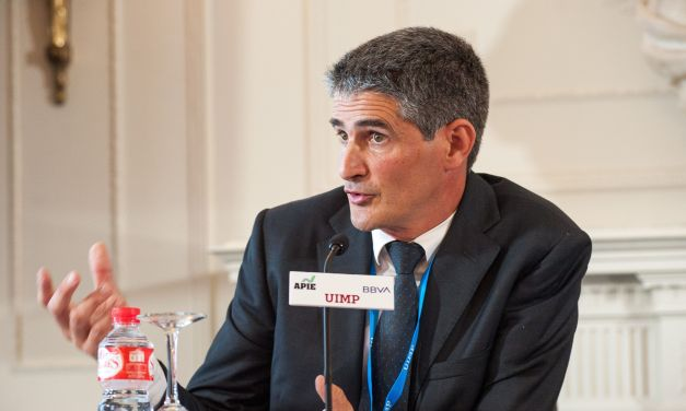 """Mikel García-Prieto: """"la banca puede medir ya la huella de carbono de su cartera de inversión"""""""