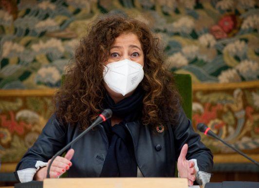 María Jesús Such, Vicerrectora de Políticas de Responsabilidad Social y Extensión Universitaria de la UAH, moderadora del debate celebrado en las Jornadas de Economía organizadas por APIE en la Universidad de Alcalá de Henares.