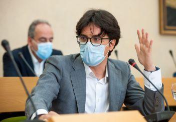 Óscar Pérez, Socio de QEnergy, durante su intervención en el debate sobre Transición Energética organizado por la APIE en la Universidad de Alcalá de Henares