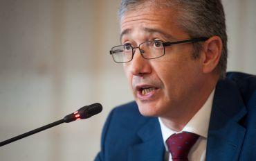 Pablo Hernández de Cos, Gobernador del Banco de España, durante su intervención en el curso de verano organizado por la APIE en la UIMP de Santander.