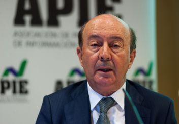 Miguel Iraburu, presidente del grupo de trabajo de la encuesta, durante la presentación de la Encuesta Empresarial Círculo 2021 elaborada por el Círculo de Empresarios.