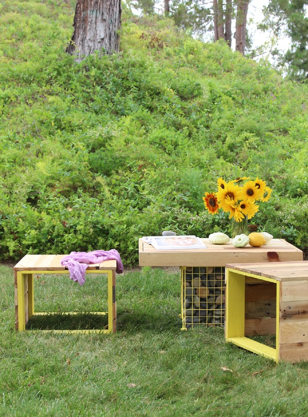 Pallet Coffee Table And Bench Easy DIY Outdoor Pallet