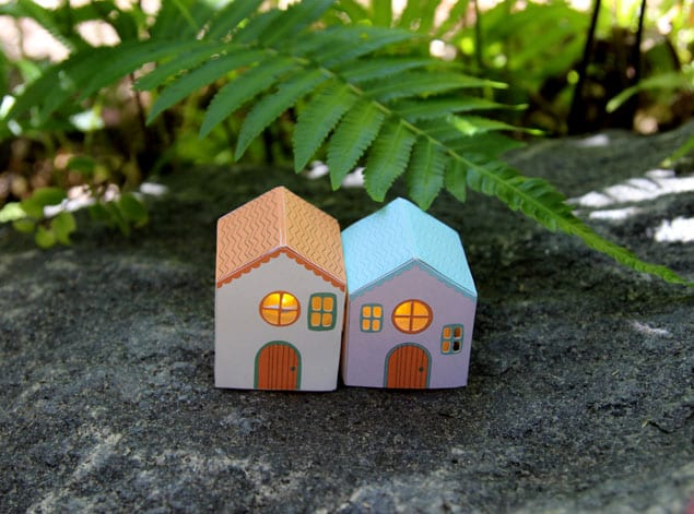 apieceofrainbow paper houses 11 - DIY: Paper House Luminaries