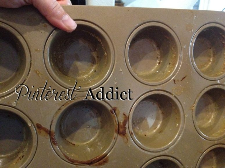 How to clean stuck-on food from your bakeware