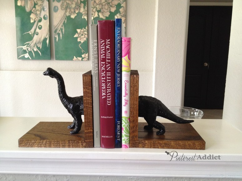How to make dinosaur bookends