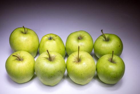 Eight apples