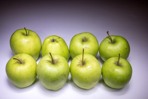 Eight apples